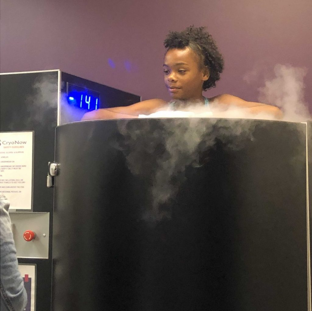 Does ice bath, therapy, cryotherapy help runners soreness?